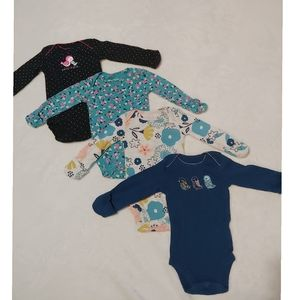 4 piece set of long sleeve onesies w/hand covers